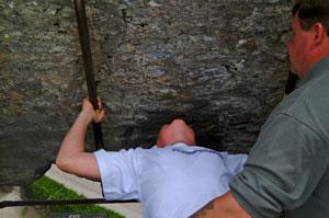 Blarney-Stone-kiss