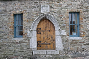 Desmond-Castle-door