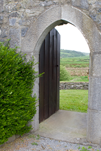 Dysert-O'Dea-Castle-doorway