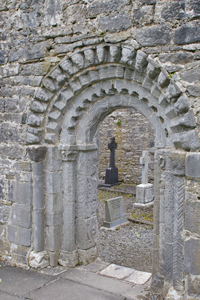 Dysert-O'Dea-church-door
