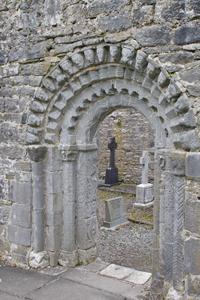 Dysert-O'Dea-church-door
