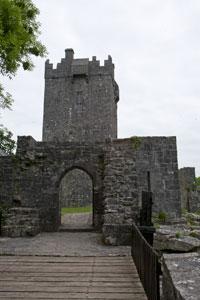 Aughnanure-Castle-Ireland-entry