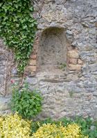 Cashel-rock-wall-yellow
