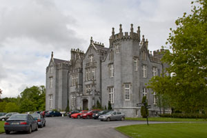 Kinnitty-Castle